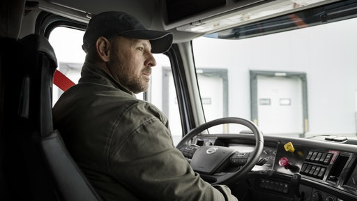 In reinforcing its commitment to operational safety, Volvo Trucks North America is partnering with Bendix to utilize its suite of leading-edge active safety technologies.